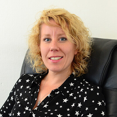 psycholoog-Pippa-Smith-praktijk-psychotherapie-amsterdam