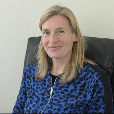 Simone-van-Binnendijk-psycholoog-Praktijk-voor-Psychotherapie-Amsterdam